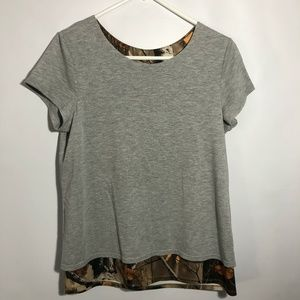 Legendary short sleeve gray/camo top Sz Medium